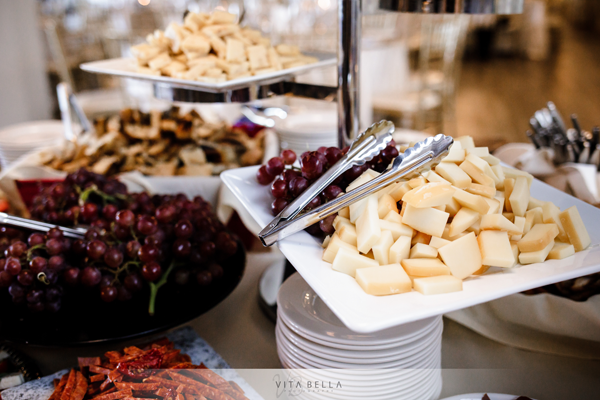 Appetizer-Display-Cheese-Grapes-Wurlitzer-Events-Banquets